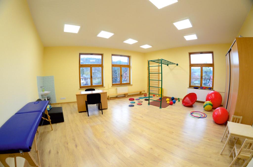 Zdjęcie przedstawia salę w Poradni, w której przeprowadzane są zajęcia.